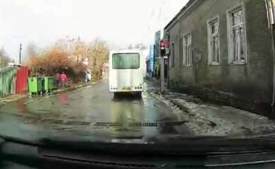 У Чернівцях після скарги чоловіка у Facebook поліція оштрафувала водія маршрутки