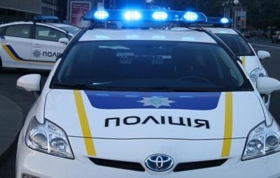 У Чернівцях поліція врятувала чоловіка, який хотів стрибнути з моста через Прут