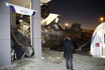 У Туреччині масштабна аварія на залізниці. 7 осіб загинули, 46 поранені