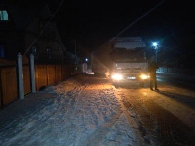 Снігова негода: поліція попередила про ускладнення руху на трасах Буковини