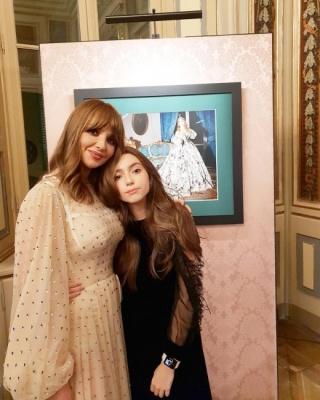 Оксана Марченко показала рідкісне фото з донькою-хрещеницею Путіна