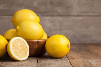 8 побічних ефектів від лимонів і лимонного соку
