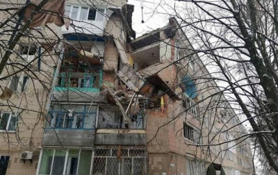 У Фастові стався вибух у будинку, чоловік випав з 5 поверху