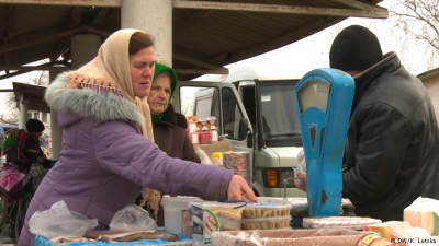 Як ставляться до томосу в рідному селі митрополита Онуфрія на Буковині: репортаж DW