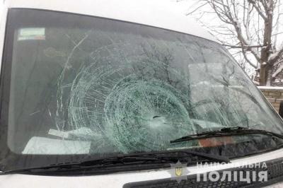 На Хмельниччині водій з Буковини збив двох пішоходів - фото