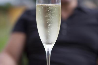 Лікар розповів, який алкоголь краще пити на Новий рік