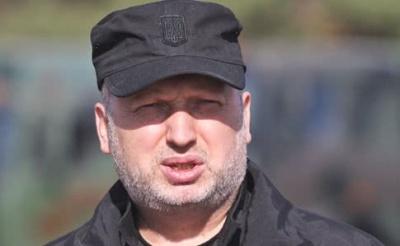 Турчинов: Українські військові кораблі знову підуть через Керченську протоку