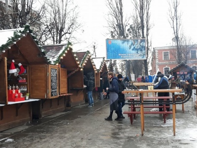 На Різдвяному містечку діє заборона щодо вживання спиртного, - мерія