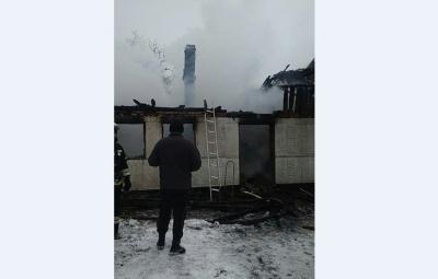 На Буковині у масштабній пожежі загинула жінка
