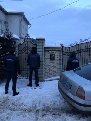 ЗМІ опублікували фото будинку Фищука, де проводять обшуки