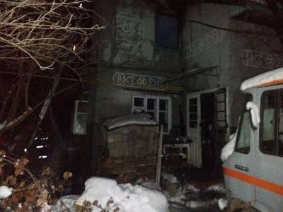У Чернівцях горів житловий будинок - фото
