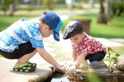 Як реагувати батькам, коли діти сваряться через іграшки: порада психологів