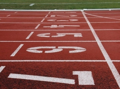 На стадіоні «Буковина» для дітей організували легкоатлетичні змагання