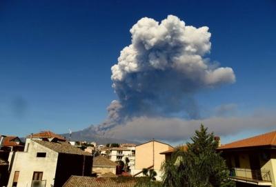 На Сицилії почалося виверження вулкана Етна