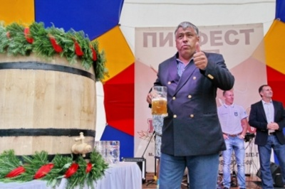 У Чернівцях піцерії депутата Чинуша дозволили працювати цілодобово