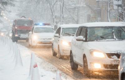 У трьох областях України обмежили рух транспорта