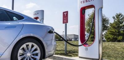 В Україні з'являться станції зарядки Tesla Supercharger
