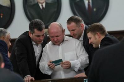 У Чернівцях суд залишив без розгляду позов Продана до податківців
