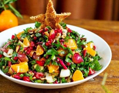"""Без """"шуби"""" та """"олів'є"""": три рецепти смачних салатів без майонезу на Новий рік"""