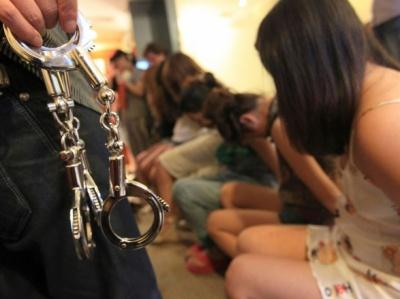 На Буковині засудили сутенера, який вербував дівчат на «роботу» в Італію
