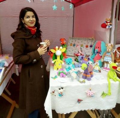 «Пахнуть добротою»: буковинка створює цікаві іграшки для дітей та дорослих