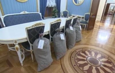 Лукашенко подарував Путіну 4 мішки картоплі