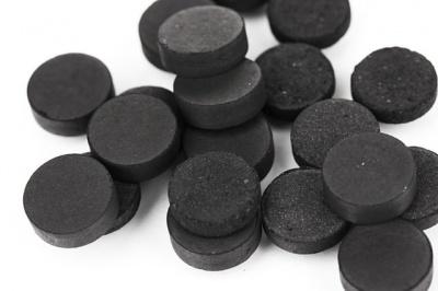 В Україні заборонили одну серію активованого вугілля