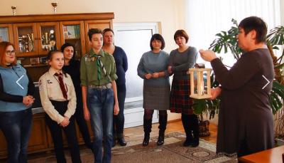 На Буковину привезли Вифлеємський вогонь миру - відео