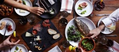Як боротися з переїданням після свят