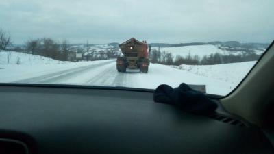 Снігова негода: яка ситуація на автошляхах Буковини - фото