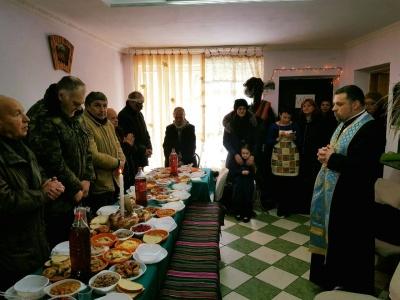У Чернівцях владика УГКЦ зустрів Святвечір із потребуючими - фото