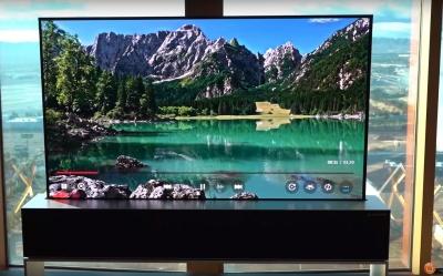 LG презентувала телевізор, який згортається в рулон. Відео
