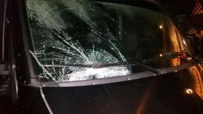 У Чернівцях мікроавтобус збив пішохода, постраждалий без свідомості