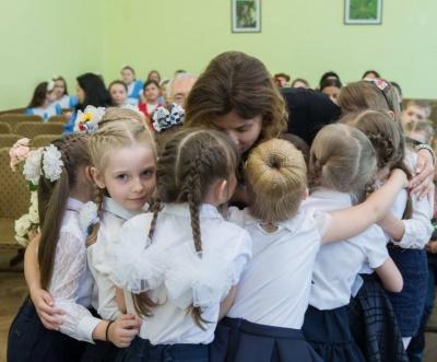 Фото зустрічі дружини Порошенка у Чернівцях увійшло до підбірки найкращих у 2018 році