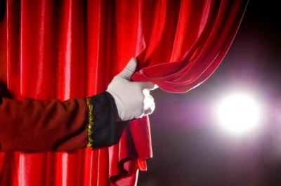 У Чернівцях донори зможуть безкоштовно переглядати вистави в драмтеатрі