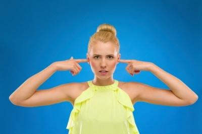7 хвороб, про які попереджає шум у вухах
