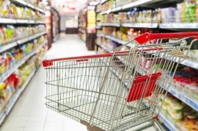 «Не платіть за розбиту пляшку у супермаркеті»: фахівці розповіли про права споживачів