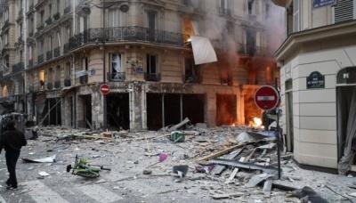 У результаті вибуху в паризькій пекарні загинули чотири людини - відео