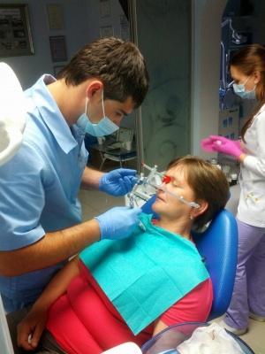 Де якісно полікувати зуби: перевірені стоматологічні клініки Чернівців (на правах реклами)