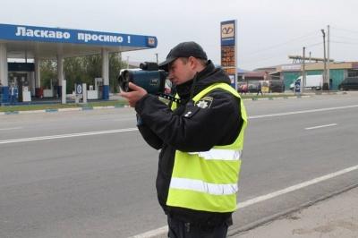 На Буковині за два місяці понад 1000 водіїв оштрафували за перевищення швидкості