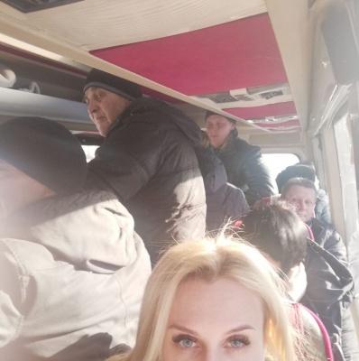 «Не тріпайте мені нерви!»: пасажирів автобуса «Чернівці–Москва» перевозили в нелюдських умовах