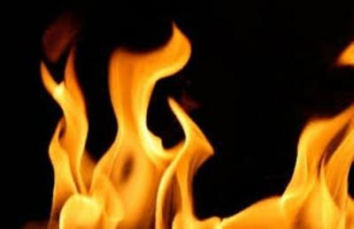 В Черновцах горело нежилое помещение: огонь уничтожил дрова