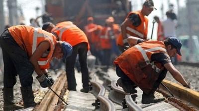 Швачки і залізничники: які вакансії на Буковині є найбільш затребуваними