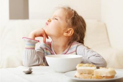 Дев'ять причин, чому дитина не хоче їсти