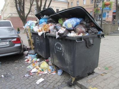У Чернівцях штрафуватимуть мешканців, які не матимуть договорів на вивезення сміття