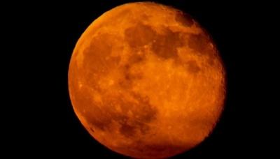 """21 січня українці зможуть побачити затемнення """"кривавого"""" Супермісяця"""