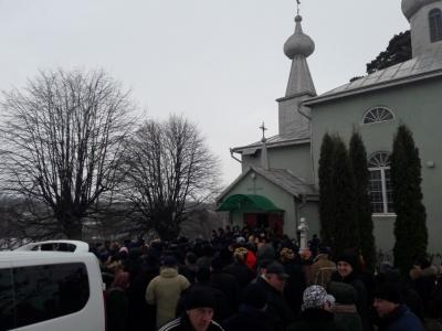 На Буковині ще одна церковна громада вирішила розірвати стосунки з УПЦ МП - фото