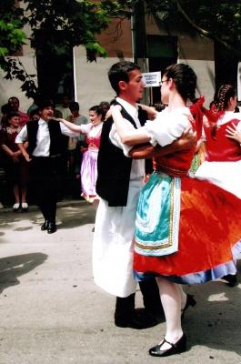 У Чернівцях всіх охочих вчитимуть танцювати чардаш