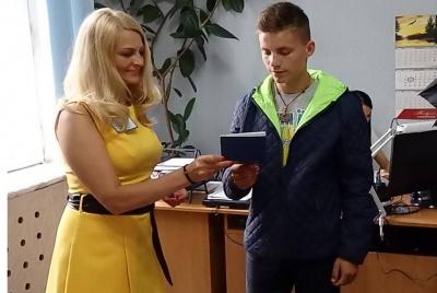 На Буковині за рік оформили 185 тисяч закордонних паспортів
