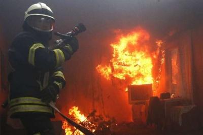 На Буковині у масштабній пожежі згоріли півтонни соломи і 30 листів шиферу